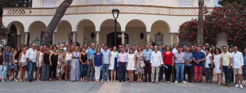 Representantes del PPCV junto con Isabel Bonig en Benicàssim.