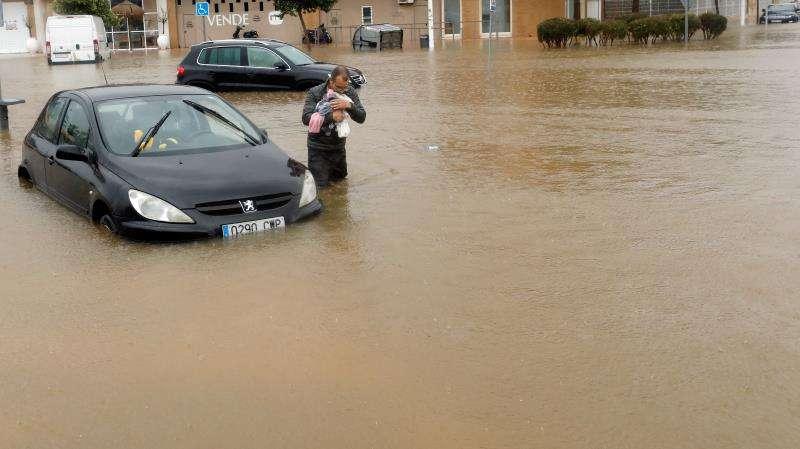 Imagen del temporal de lluvia y viento que ha afectado estos días a la Comunitat Valenciana. EFE