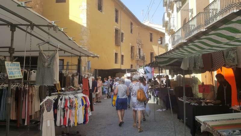 El mercado en la calle de Colón