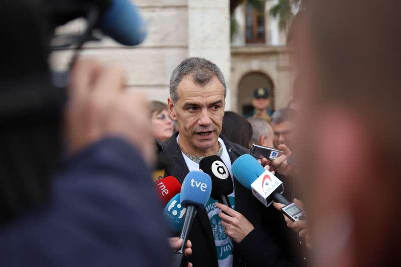 Toni Cantó,Ciudadanos, hablando con los medios de comunicación. EPDA