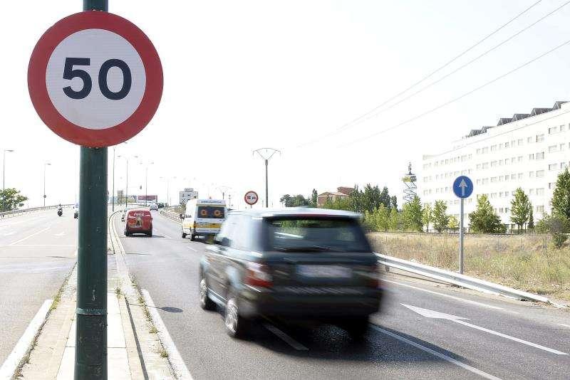 Tramo de vía con limitación a 50 km/hora. EFE/Archivo