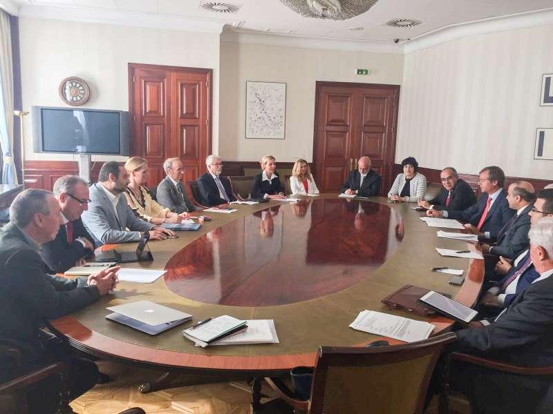 Momento del encuentro en el Congreso