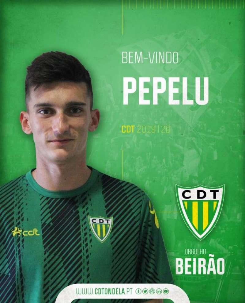 Bienvenida que da Tondela a Pepelu, en una imagen del club portugués. EFE