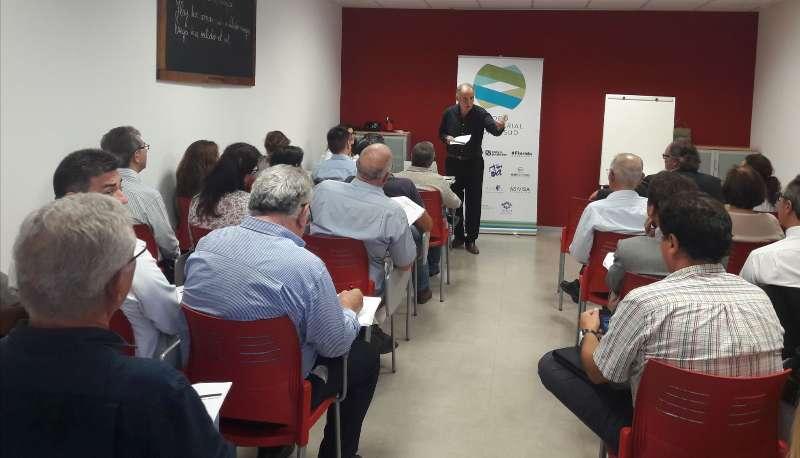 Conferencia de Víctor Fuentes en el Foro de l