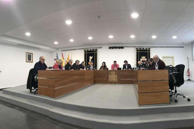 Imagen de la sesión plenaria extraordinaria en Canet. FOTO EPDA