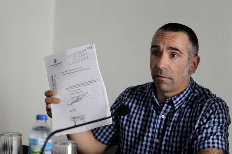 El hermano del reportero fallecido José Couso, David Couso, que ejerce como portavoz y abogado de la familia. EFE