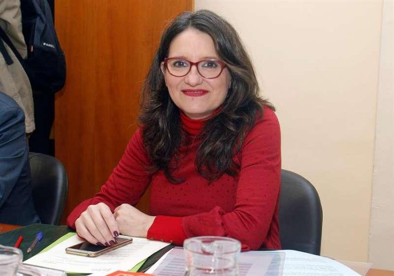 La vicepresidenta y portavoz del Consell, Mónica Oltra, durante la reunión del pleno del Consell, esta vez en la sede alicantina de la Casa de las Brujas. EFE