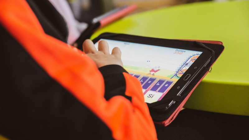Tablets y plataformas adaptadas para alumnos de música