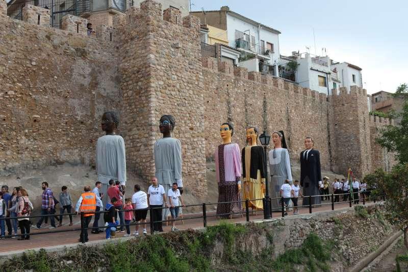 El paso de los gigantes por las murallas ofreció una imagen inédita