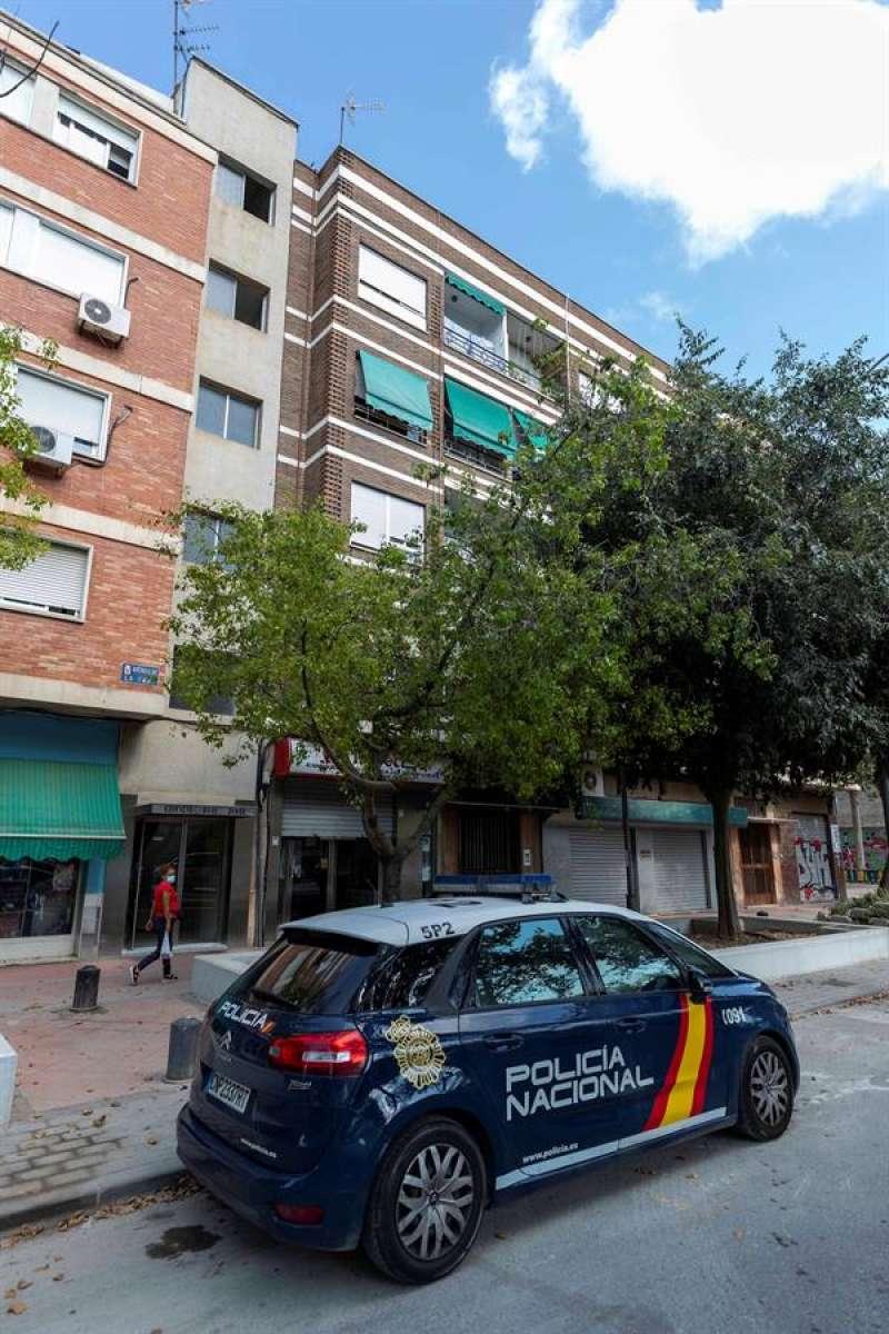 Una patrulla de la Policía Nacional en el lugar de un suceso. EFE/Marcial Guillén/Archivo.
