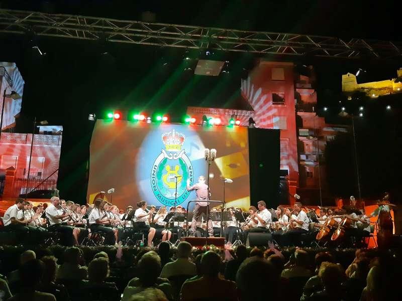 Actuación de la Unión Musical Utielana