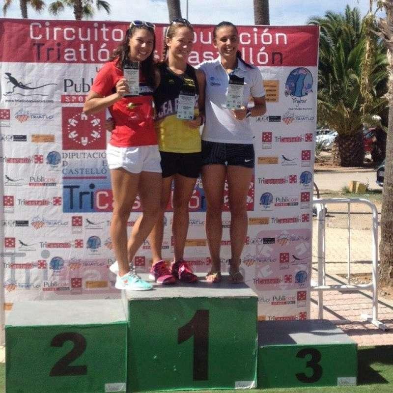 Noelia Juan recull el seu trofeu