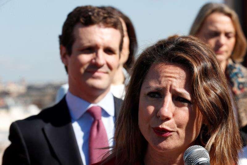 La candidata a la alcaldía de Castellón, Begoña Carrasco junto a Pablo Casado. EFE/Archivo