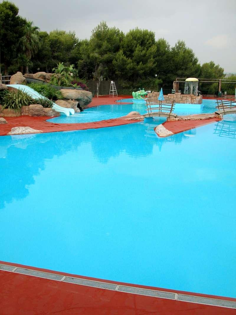 La fdm fomenta un estiu saludable amb els campus esportius for Piscina municipal manises