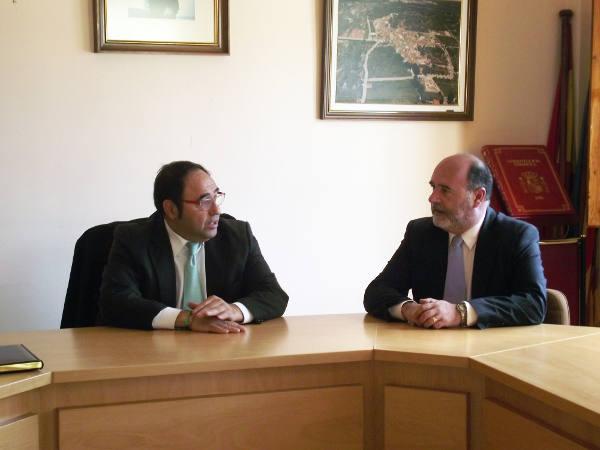 El delegado del Consell con el alcalde de Albalat dels Tarongers. EPDA