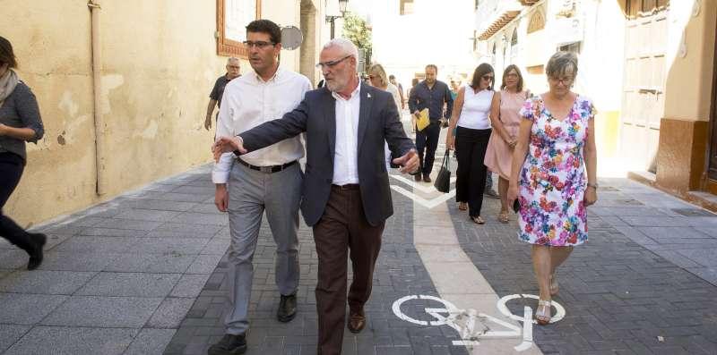 El Presidente de la Diputación y alcalde de Alboraya en su visita al municipio.