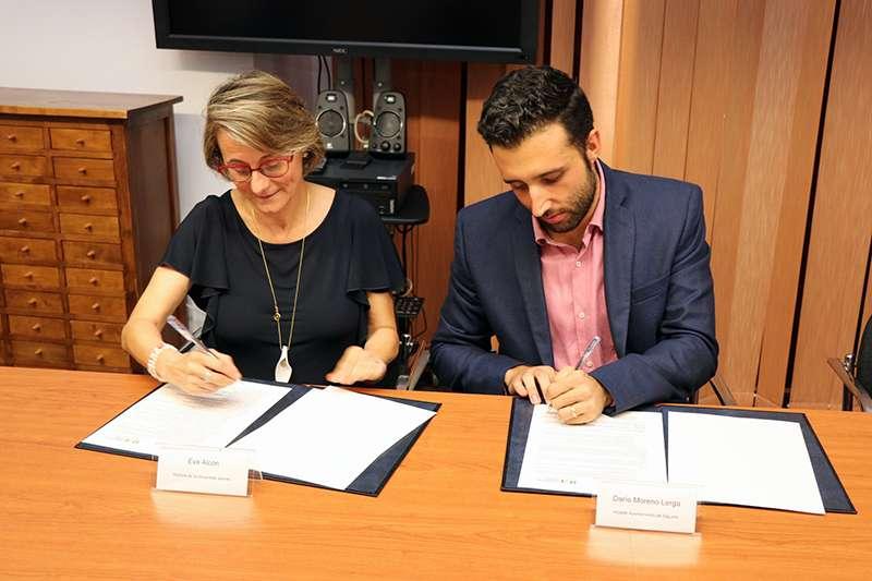 Signatura del conveni entre l