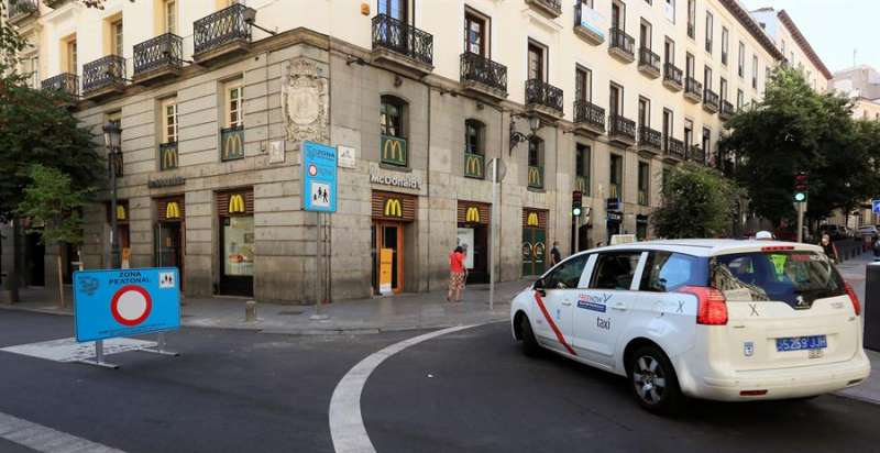 El taxi pide auxilio tras sufrir el mayor desplome de facturación en 50 años. EFE/Alvarado/Archivo