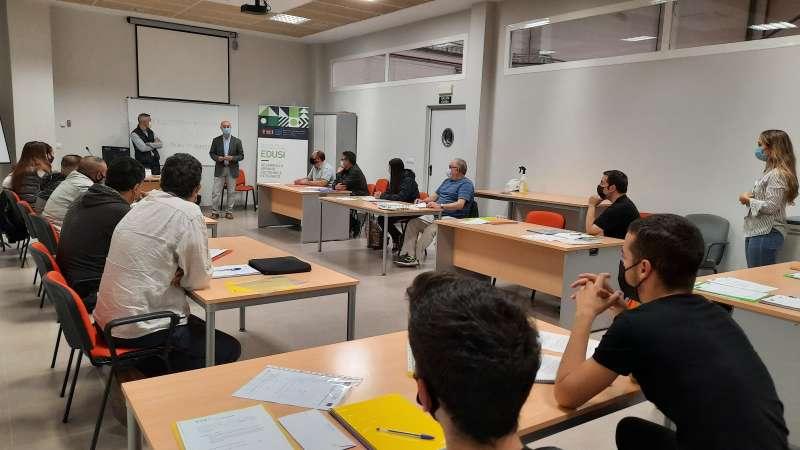 Una de las clases del curso del programa TESIS