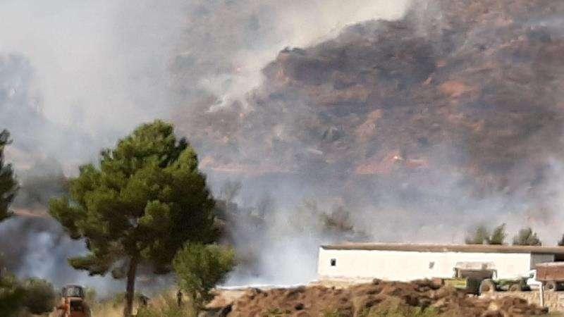Imagen del incendio publicada por el 112 de la Generalitat en su cuenta de Twitter. EFE