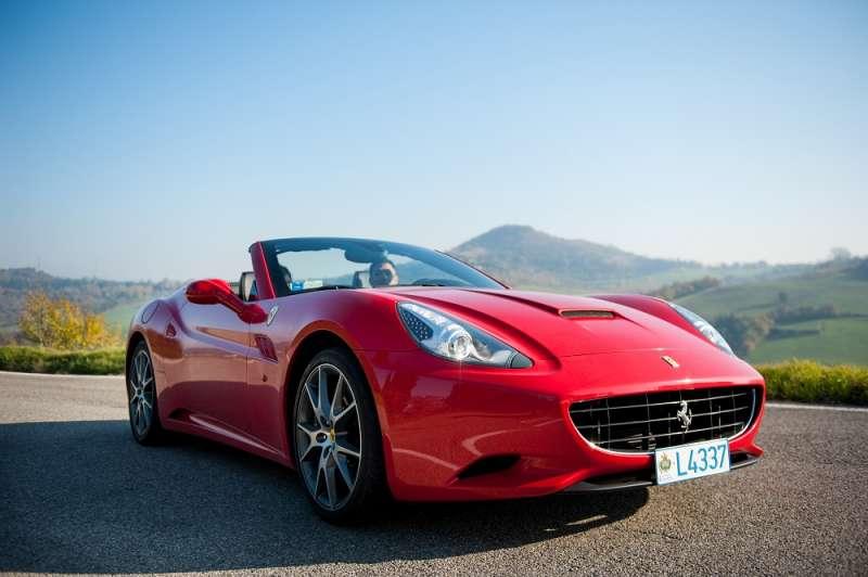 Cuánto Cuesta Alquilar Un Ferrari En Valencia
