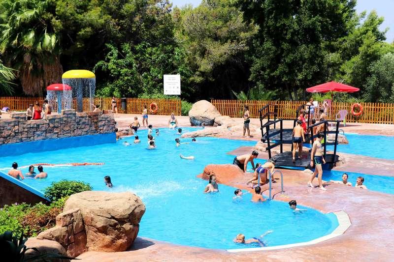 La piscina parc vedat cierra la temporada con m s de 76 for Piscina municipal manises
