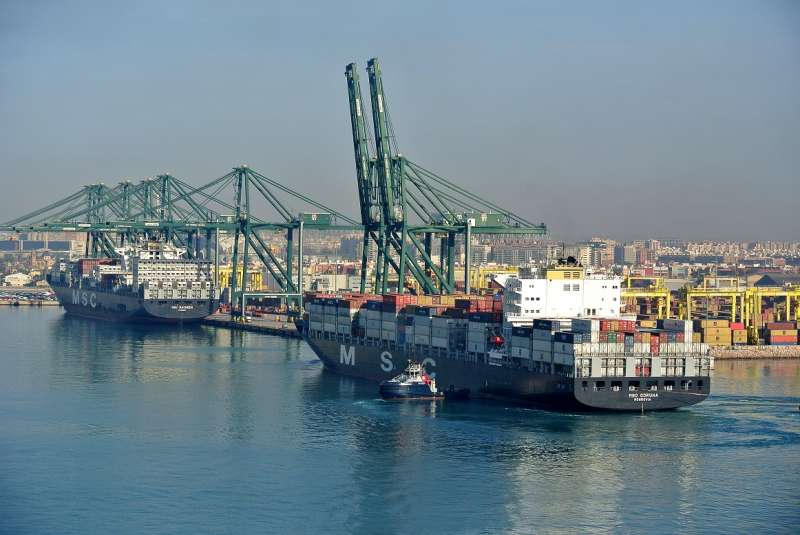 Tráfico transporte marítimo.
