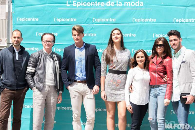Los actuales Miss y Mr. Ciudad de Valencia, Vicent Llorach e Isabel González, en el centro. EPDA