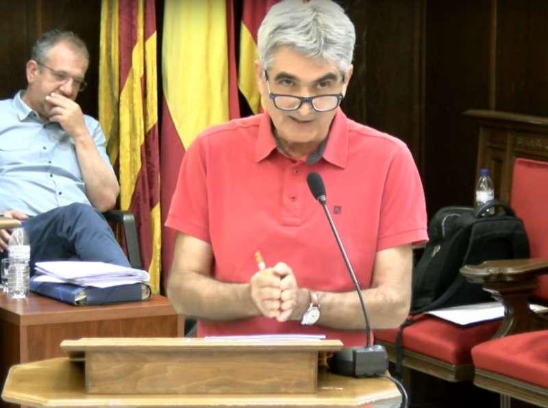 El concejal de Hacienda de Sagunt en su intervención en el pleno. EPDA