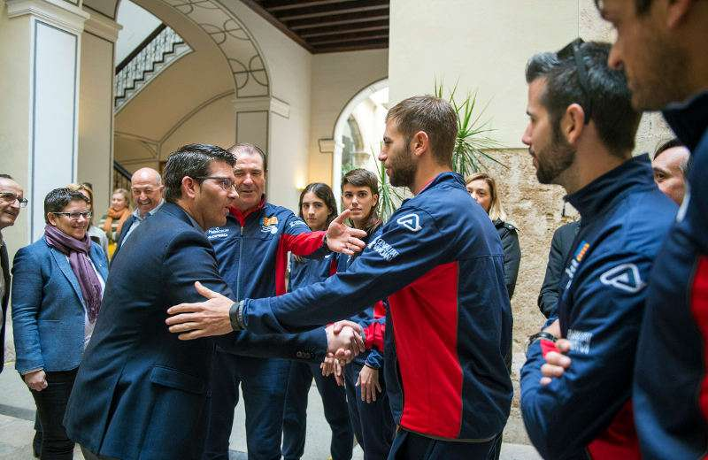 El presidente de la Diputació de València, Jorge Rodríguez recibe a la Selección de Pilota Valenciana. EPDA