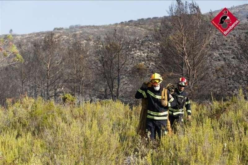 Imagen del incendio de la Vall de Gallinera publicada por el 112 en sus redes sociales.