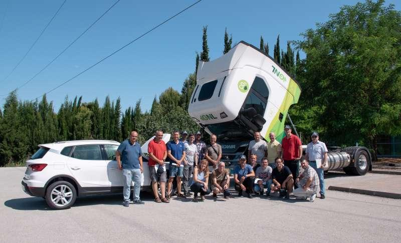 Profesores participantes en el curso de formación sobre gas natural vehicular. EPDA