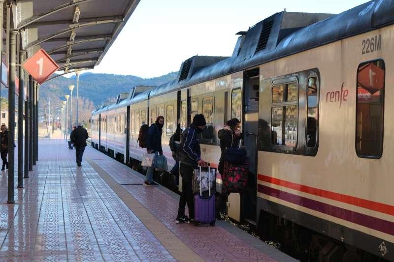 EUPV pide prolongar el servicio de cercanías a Barracas