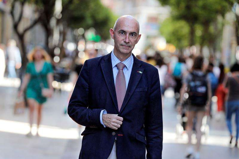 El candidato de Vox a la alcaldía de València, José Gosálbez, reconoce, en una entrevista con la Agencia EFE, que aspira a repetir el resultado