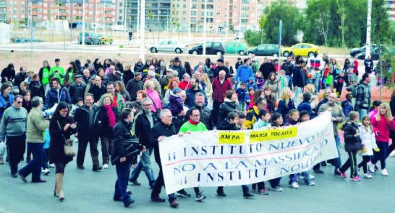 Protesta por el nuevo instituto en Port de Sagunt. EPDA
