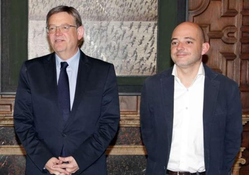 Ximo Puig y Víctor Jiménez en el Palau. EPDA