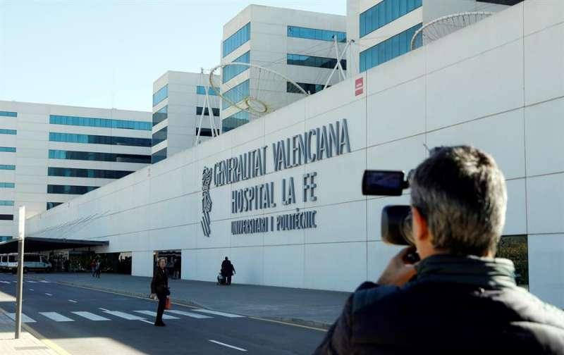 Fachada del hospital La Fe de Valencia. EFE/Kai Försterling/Archivo