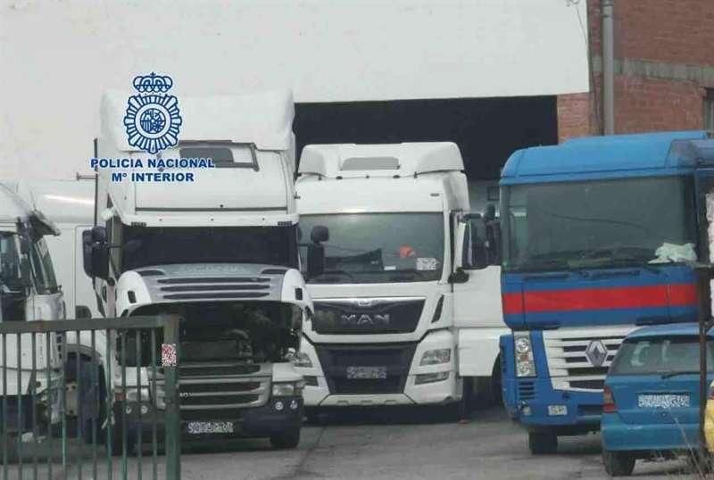 Algunos de los camiones intervenidos, en una imagen de la Guardia Civil.