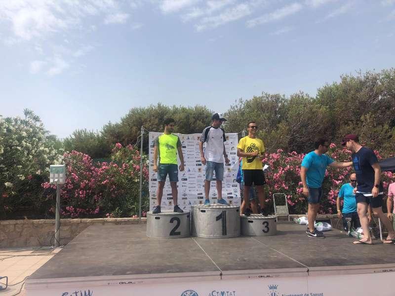 Entrega de medallas de la 4ª edición de la Travesía a Nado de la Playa Puerto de Sagunto. EPDA