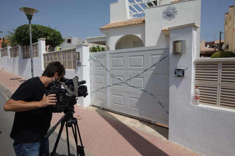 La vivienda de la urbanización de Calpe donde fue hallado el cuerpo de la mujer asesinada. EFE/Archivo