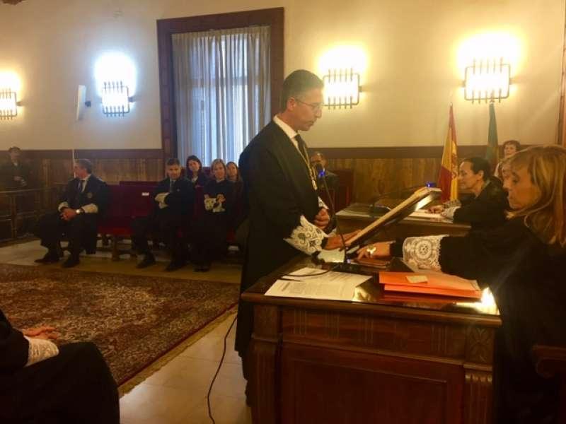 Vicente Torres toma posesión como nuevo magistrado de la Sala de lo Civil y Penal del TSJCV