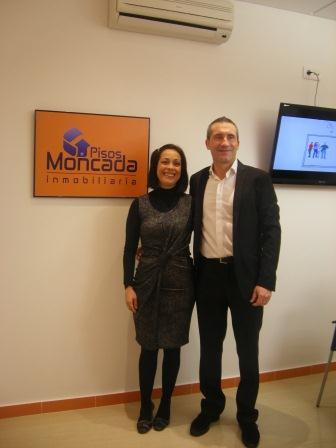 Esther Hurtado y José María Navarro, propietarios y socios de Pisos Moncada.
