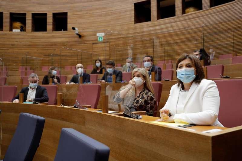 La todavía síndica del PP en Les Corts, Isabel Bonig, durante la sesión de control celebrada ayer miércoles