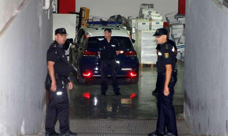 Imagen de archivo de agentes de la Policía Nacional.EFE/ Manuel Lorenzo
