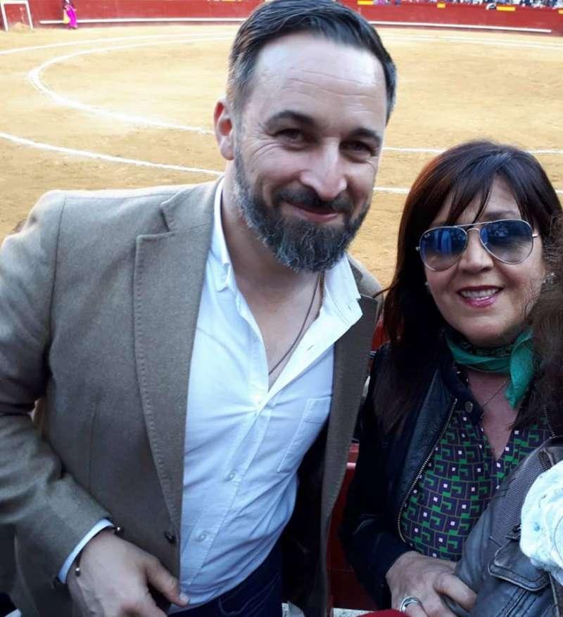 La concejala ex Ciudadanos con Abascal.