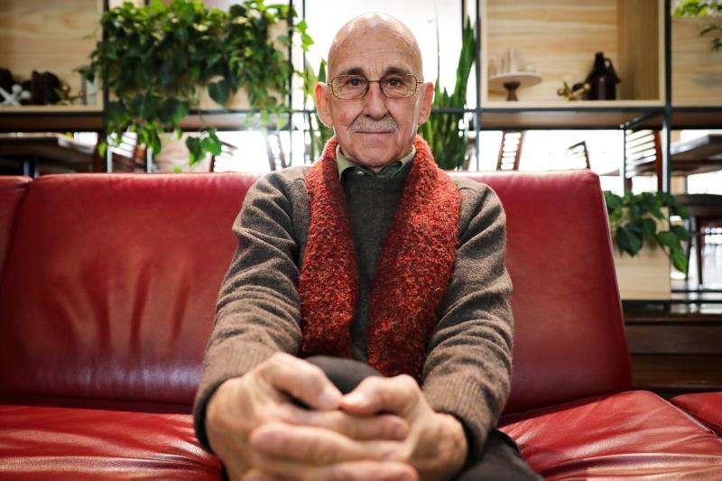El dramaturgo español José Sanchis Sinisterra, durante la entrevista. EFE