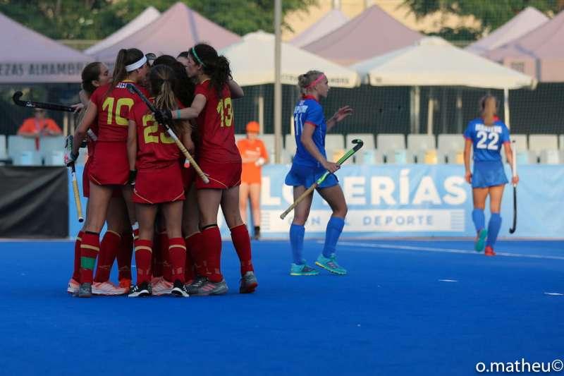 Las jugadoras de las selección española sub-21 celebran uno de los tantos marcados. EPDA