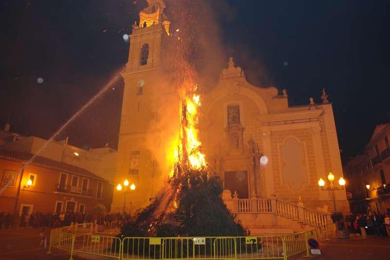 La foguera de Sant Blai de Benaguasil. //EPDA