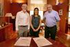 El peri�dico de aqu� -Los firmantes del acuerdo durante el acto