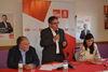 El peri�dico de aqu� -El candidato socialista, Vicente Peris, en el centro
